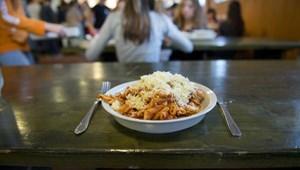 Az őszi szünetben is kaphatnak ebédet a rászoruló diákok