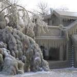 Lélegzetállító fotók az időjárás miatt jégpalotává változott házakról