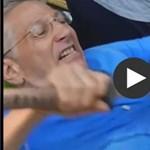 Itt az igazi világbajnok: a saját hasán dinnyét vág (videó)