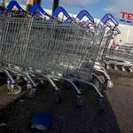 A Tesco kirúgja a London melletti cégközpont dolgozóinak negyedét