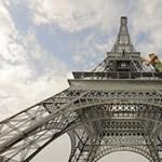 """A terhességmegszakítás és a """"kegyes halál"""" ellen tüntettek Párizsban"""