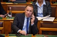 Egy fideszes és egy jobbikos képviselő mentelmi ügyéről is dönt ma a parlament