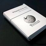 Nem fogja elhinni, mire gyűjtenek pénzt: ki akarják nyomtatni a Wikipédiát