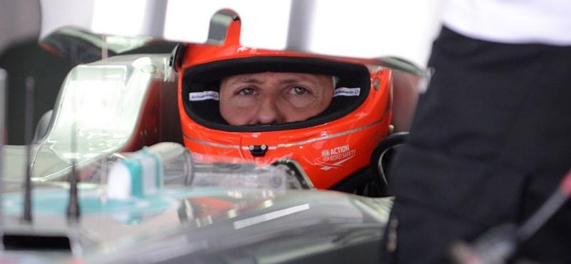 Schumacher szemkontaktust vesz fel