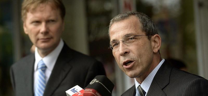 Otthagyta Fodorékat, és visszavonul a politizálástól a volt főpolgármester-jelölt