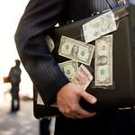 Szemrebbenés nélkül hazudnak a bankárok?