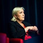 Marine Le Pent ugyanazzal vádolják, mint a mi Kovács Bélánkat – eljárás indult