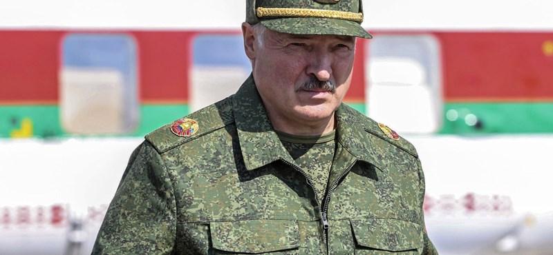 Lukasenka harckészültségbe helyezte a hadsereg felét