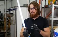 Lehetetlenből valóság: elkészült a visszahúzható fénykard – videó