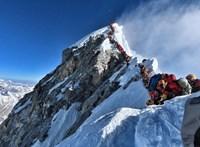 Nyolcezer kiló emberi ürülék van a Mount Everesten