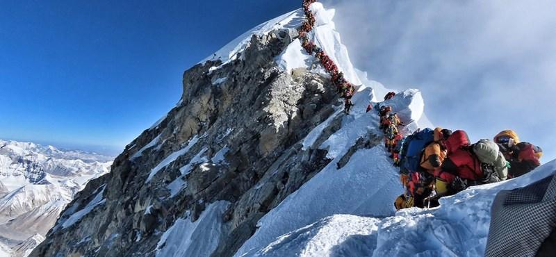 Már a Mount Everest csúcsát is mikroműanyag borítja