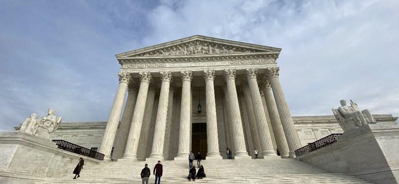 Az abortusz korlátozása ellen ítélt az amerikai legfelsőbb bíróság