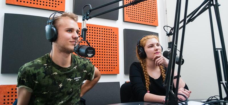 Ilyen, ha komolyan vesznek egy iskolarádiót: profi munka egy gimi padlásáról