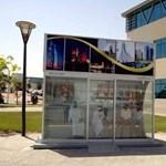 Dubaj: ilyen egy luxus buszmegálló