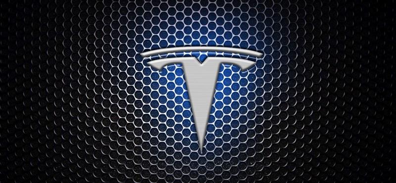 Okostelefont készít a Tesla?