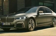 Videó: így gyorsul a BMW új biturbó V12-es 7-es limuzinja