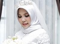 Ennél szomorúbb esküvői fotót nehéz elképzelni