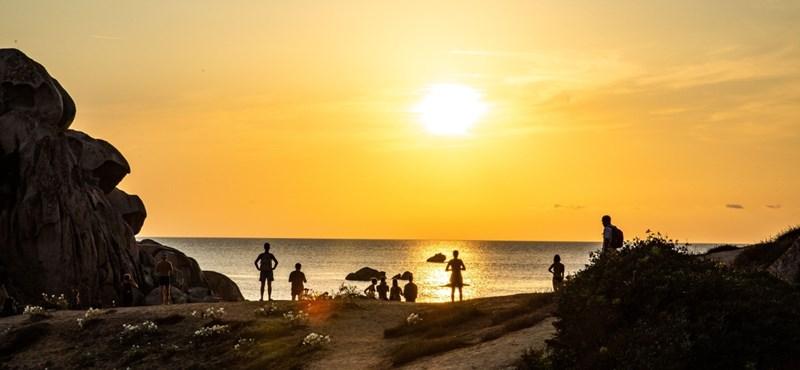 Olaszország fehér foltja: Szardínia szigetén feloldják a járványkorlátozások többségét