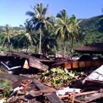 Erős földrengések sorozata Indonéziában