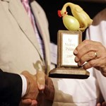 Kiosztották a Harvardon az idei anti-Nóbel díjakat
