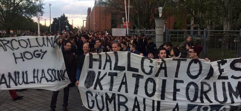 Újabb tüntetéshullám jöhet: a szakok megszüntetése felébresztette a diákokat