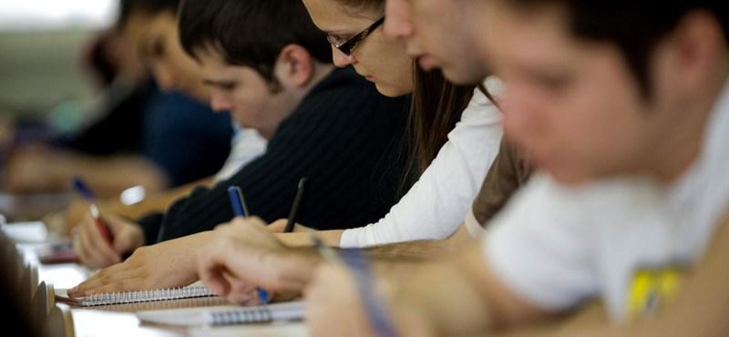Diákok ezrei tűnnek el az egyetemekről: hárommillióért nem akarnak tanulni