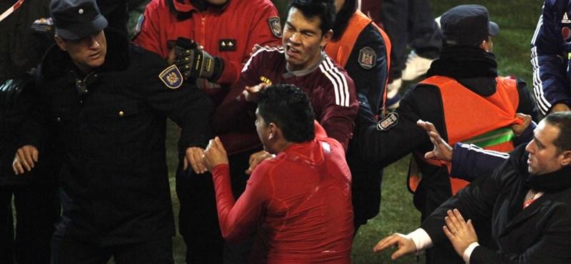 Videó: összeverekedtek a játékosok és edzők a Copa Americán