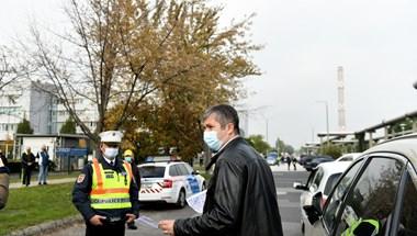 Hadházy hiába kérdezte meg Müllertől, hogy hány koronavírusost ápolnak egyes kórházakban