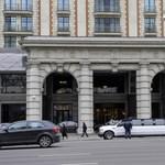 Magyar fejesek jártak a moszkvai hotelben, ahol Trump szexpartiját lefilmezhették