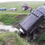 Már a románoknak is van hummeres idiótájuk – fotó
