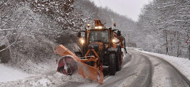 A közútkezelőnél szombaton már elkezdődik a tél