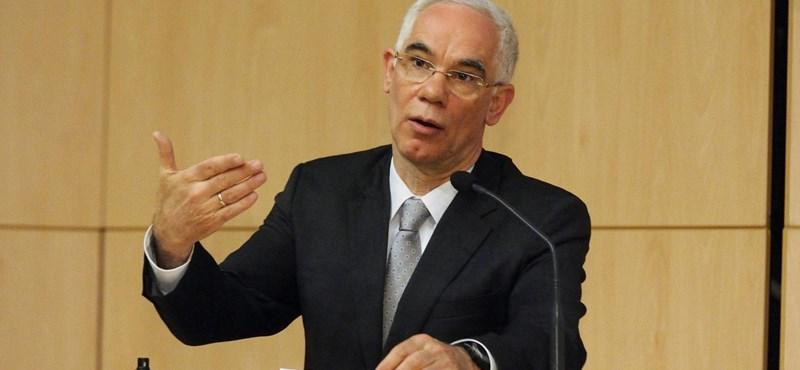 Balog Zoltán szerint megérte ledarálni az egész magyarországi tankönyvpiacot
