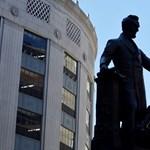 Abraham Lincoln szobra a következő célpont