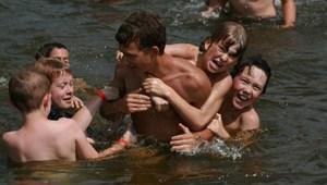 Itt a feketeleves: ennyibe kerülnek a nyári táborok