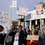 Tovább dagad a tandíjbotrány: rendőrökkel csaptak össze az egyetemisták
