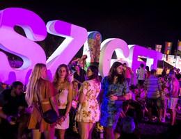 Rászorulók kapják a Sziget fesztiválon hátrahagyott 600 sátrat