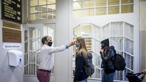 Érettségi beléptetés: mi a teendő azokkal a diákokkal, akiket lázasnak találnak?