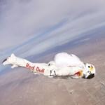 A világűr pereméről veti le magát Felix Baumgartner