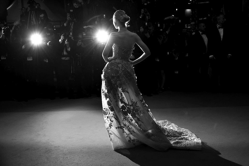 afp.16.05.21. -Elle Fanning feneke - Cannes-i Filmfesztivál feketén-fehéren, Nagyítás