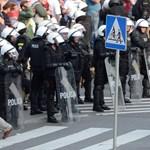 Bocsánatot kért Varsó polgármestere a huligánok miatt