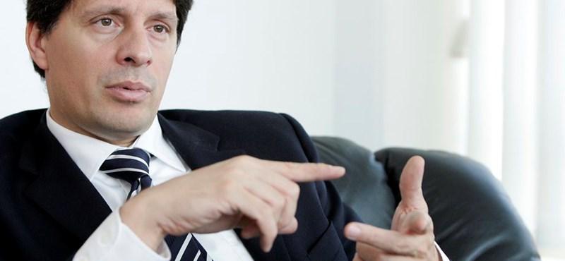 Egy magyar bankár miatt támadt gond az EU-ban