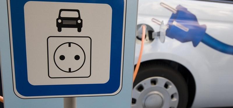 Dömping: több száz új e-autós töltőállomást építenek Budapesten