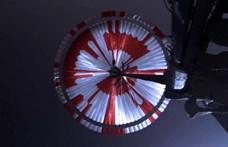 Titkos üzenetet írtak a Perseverance ejtőernyőjére, és most már azt is tudni, mi volt az