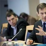 Coming out: a legbalkezesebb magyar politikusok
