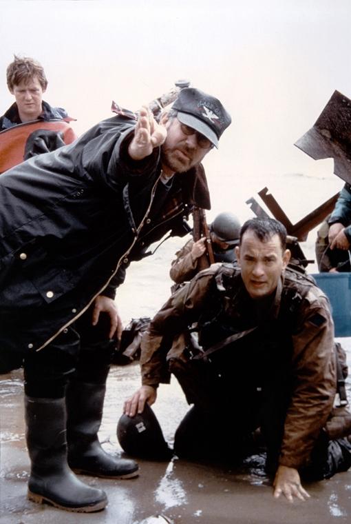 AFP -  1998 Tom Hanks és Steven Spielberg a Ryan közlegény megmentése forgatásán
