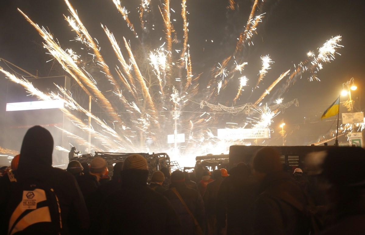 Fotók: éjjel is pusztított a forradalom lángja Kijevben