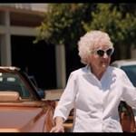 Macklemore csodás szülinapot rendezett 100 éves nagyijának – videó