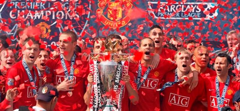 Sneijdert és Ashley Youngot venné meg a Manchester United