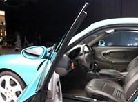 Íme, az egyetlen gyárilag golyóálló Porsche 911-es
