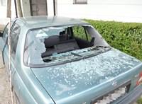 Nem finomkodott a tolvaj, aki kilenc autót tört fel Kecskeméten